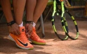 how-much-does-it-cost-to-restring-a-tennis-racket